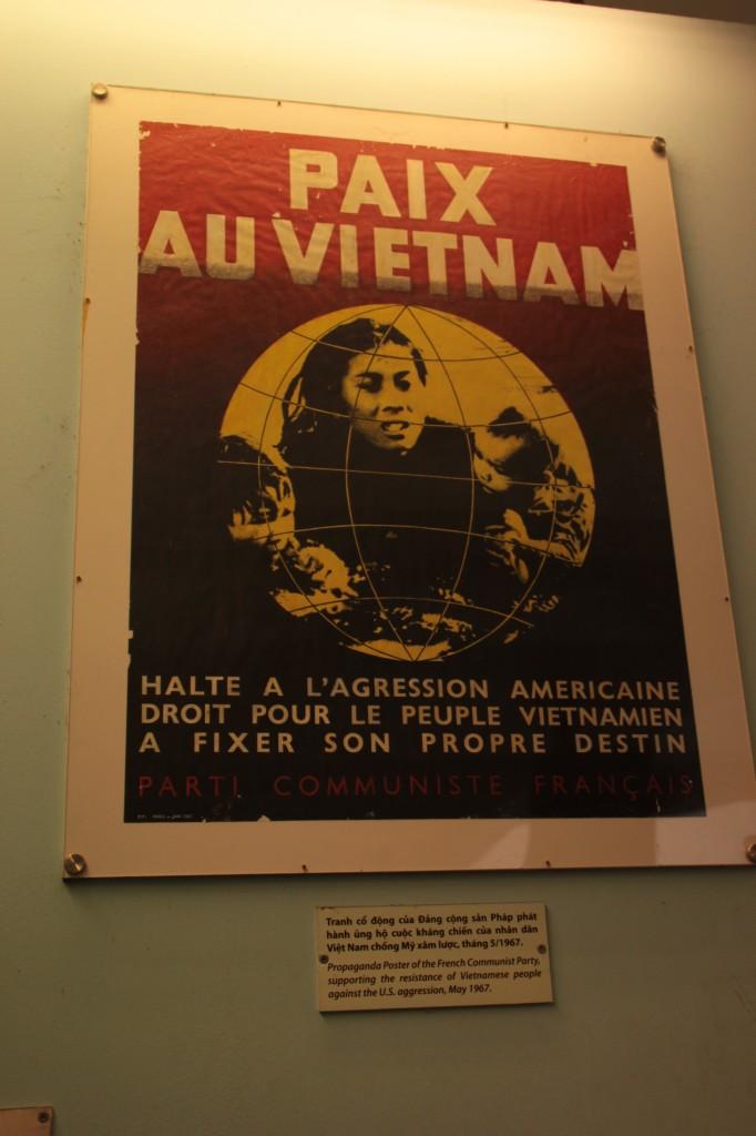 """""""Paix au Vietnam"""" - Au musée des vestiges de guerre"""