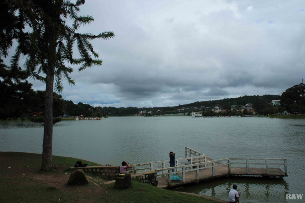 Le lac artificiel Xuan Huong