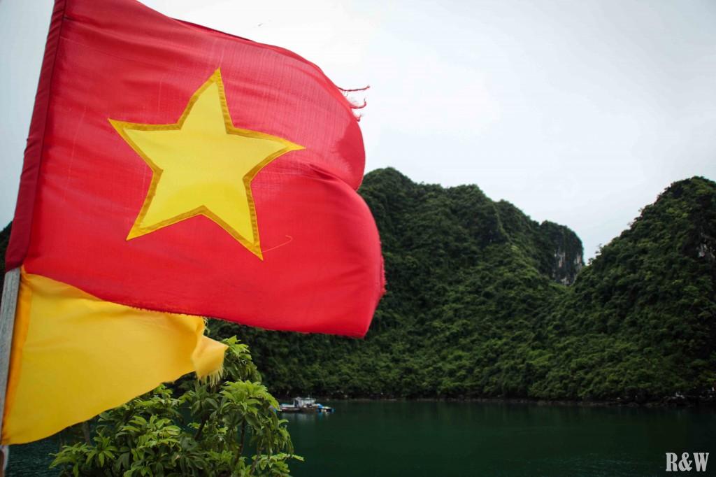 Une croisière dans la baie d'Along (Halong) au Vietnam