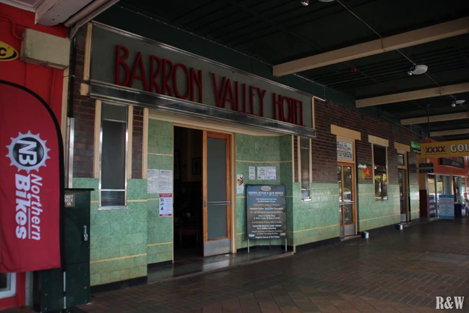 Bienvenue à Atherton, le Barron Valley Hotel