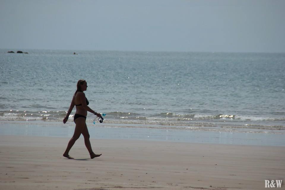 Marion se promène sur Mission Beach
