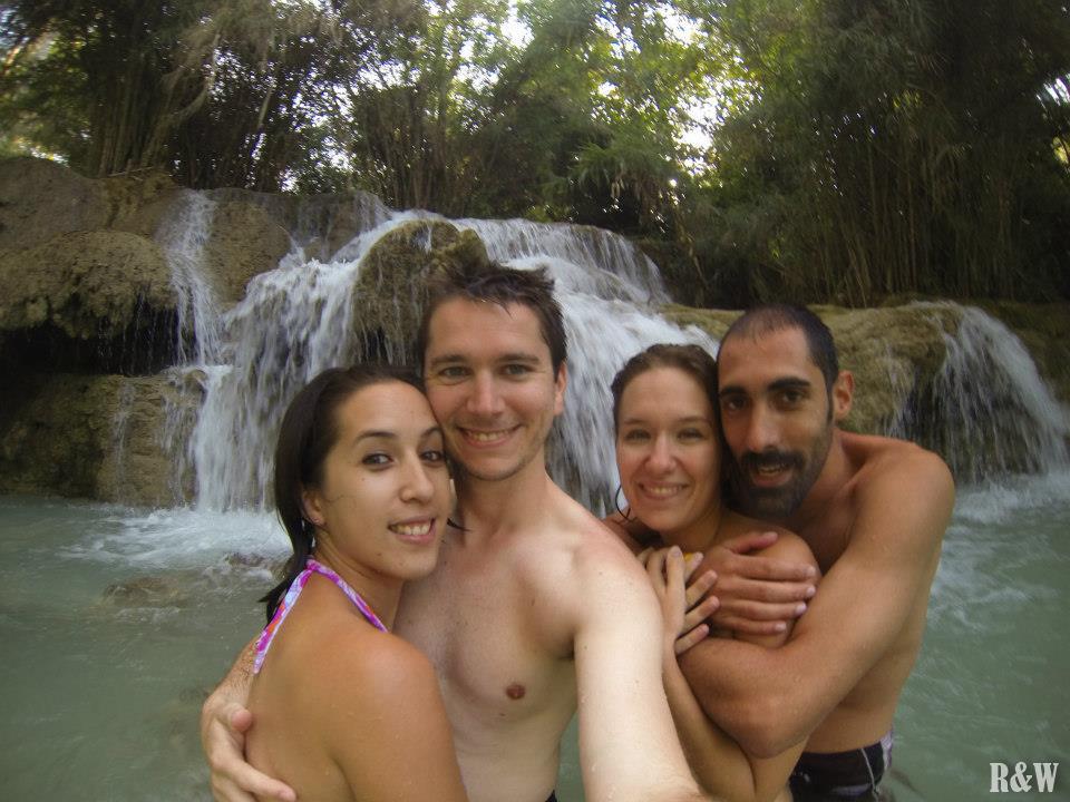 Arou, Flo, Anne et Guillaume aux Kuang Si Waterfalls, Luang Prabang, Laos