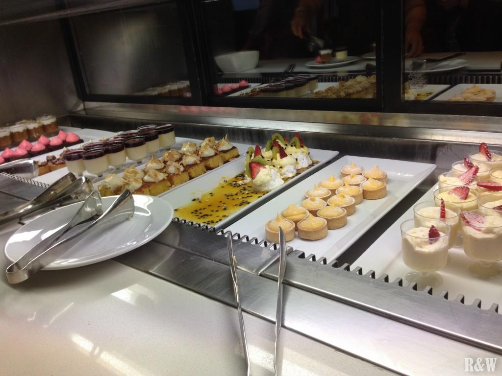 Buffet à volonté au restaurant de la Sydney Tower