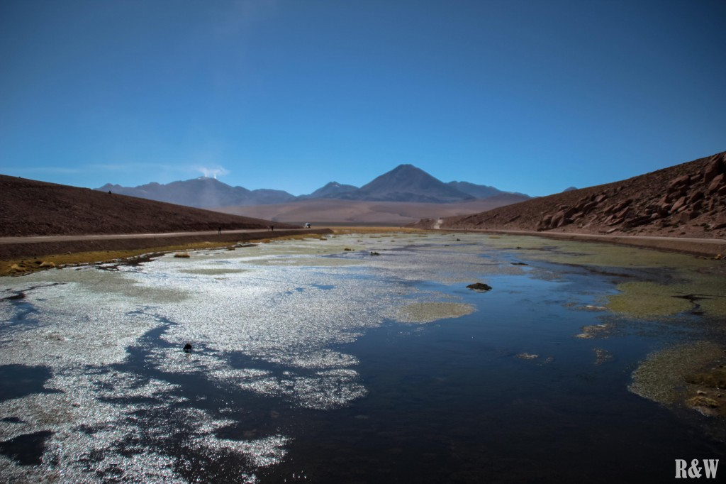 Au loin, le volcan Putama, encore en activité