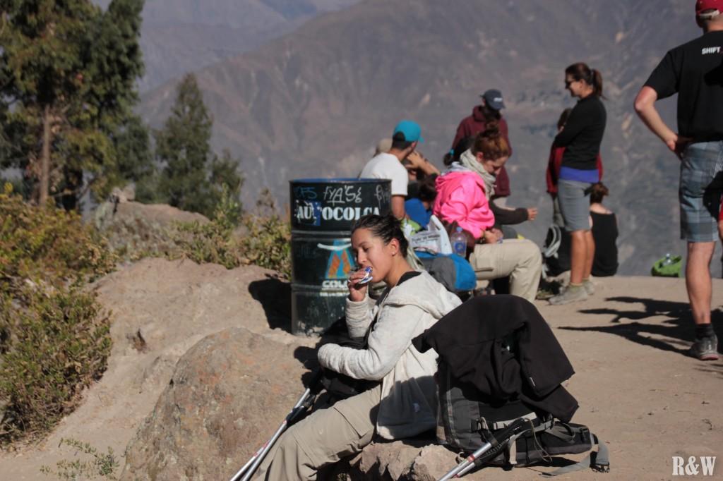 Au second jour, aucune photo des 6km de montées... mais arrivée au sommet, on retrouve une Arou affamée et épuisée