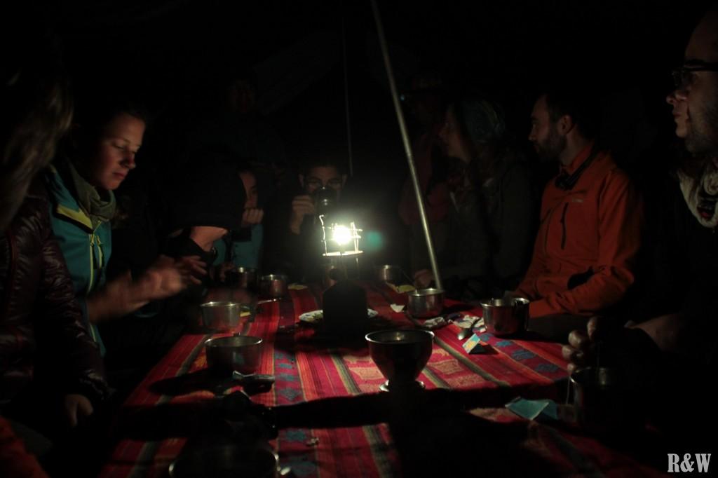 Les repas chaleureux et en groupe, toujours très bons