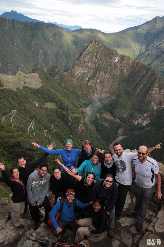 Du grand bonheur au sommet de la cité inca, fêté avec le groupe tout entier !