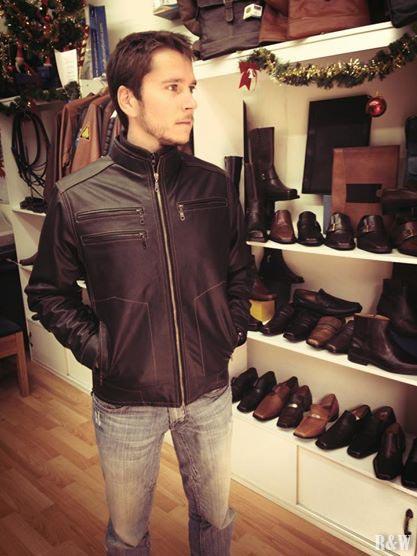 Veste en cuir taillé sur-mesure à seulement 1150Bs (soit env. 120€)