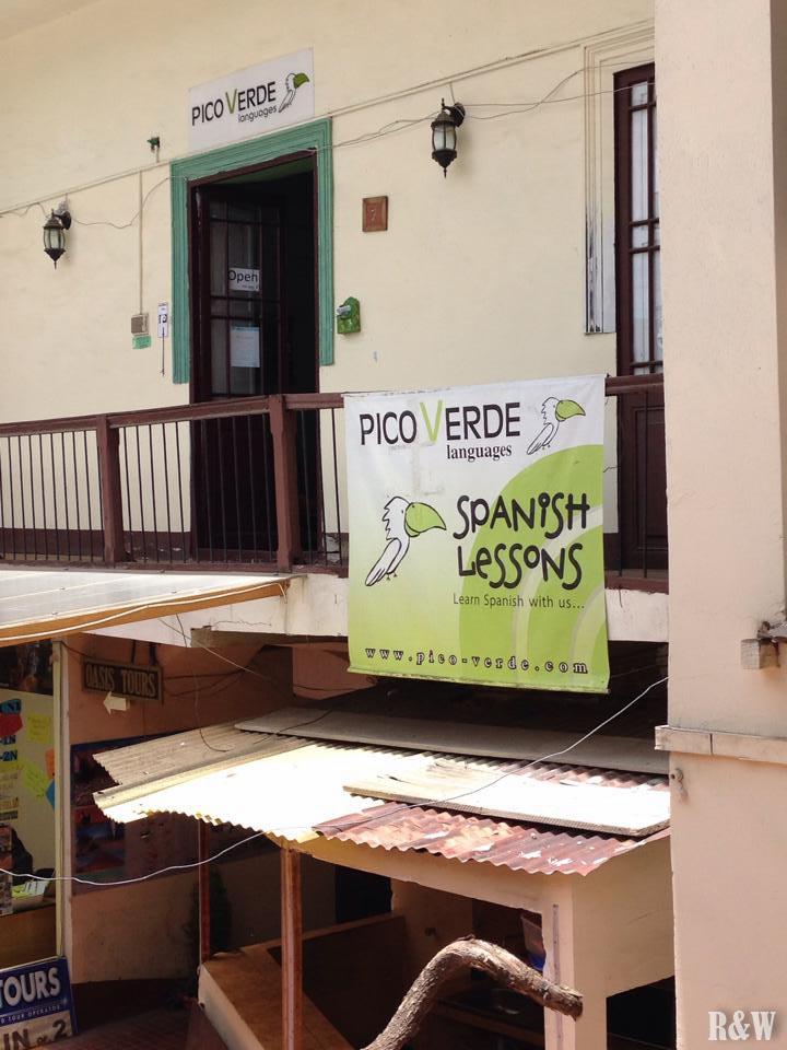 Pico Verde (cf. Lonely Planet) propose des cours d'espagnol à un tarif très intéressant.