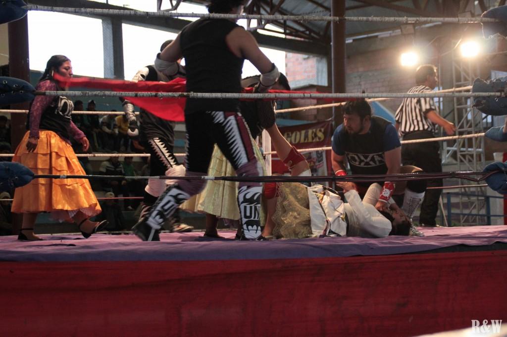 La Lucha Libre, un air de rand final, tout le monde se bastonne