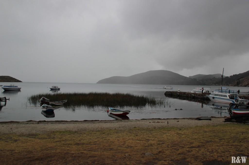 Une arrivée sous la pluie à l'île du Soleil