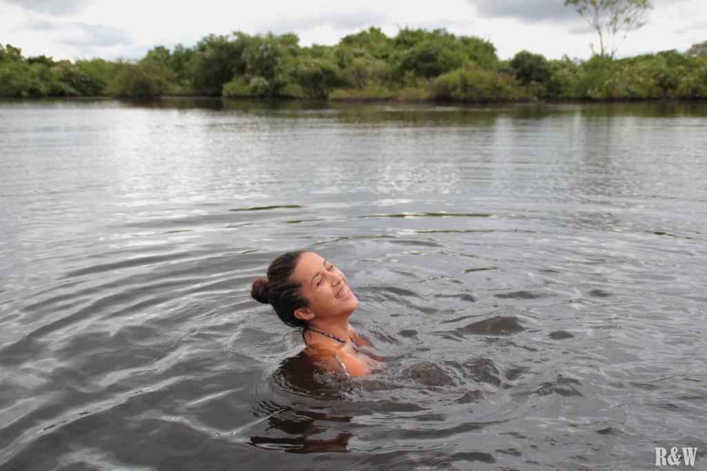 Nager avec les dauphins dans l'eau aux crocodiles... euphorisant !