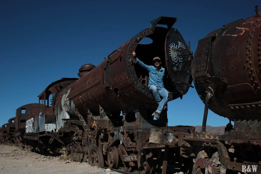 Le cimetière de train à l'entrée de la ville d'Uyuni