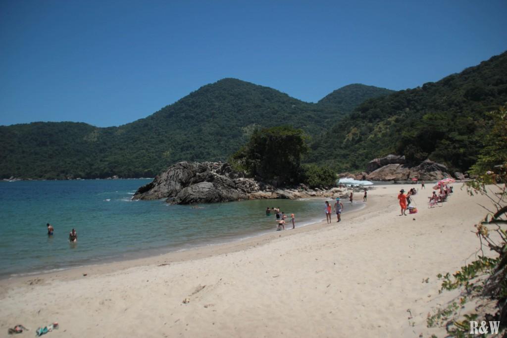 Praia Meio à Trindade