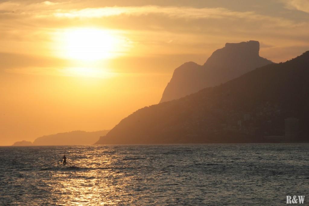 Coucher de soleil sur la plage de Hipanema